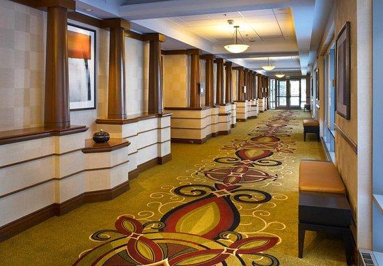 Downers Grove, Илинойс: Hallway