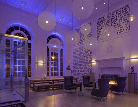 Warwick Hotel Rittenhouse Square Philadelphia Lobby At Night