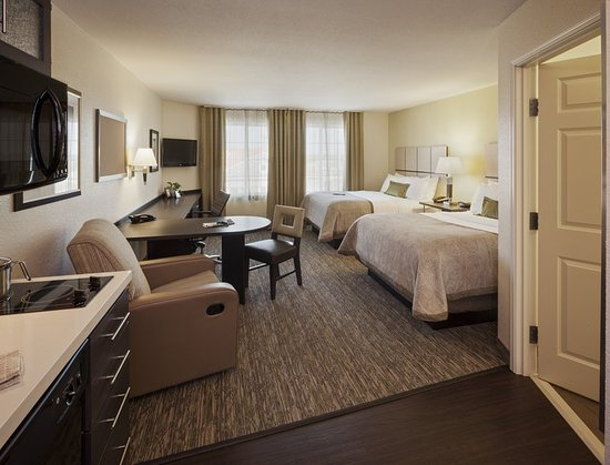 Lenexa, KS: Queen Bed Guest Room