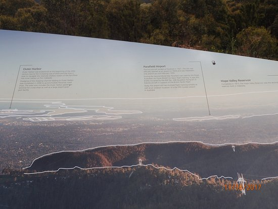 ‪‪Adelaide Hills‬, أستراليا: details of viewing area‬