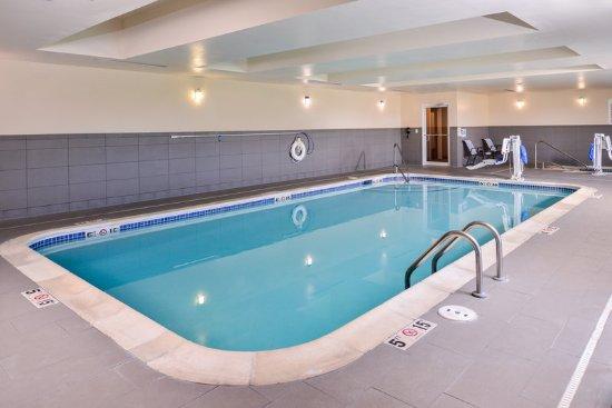 York, NE: Pool Area