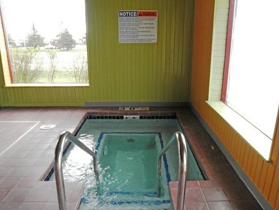 Sturtevant, WI: Hot Tub