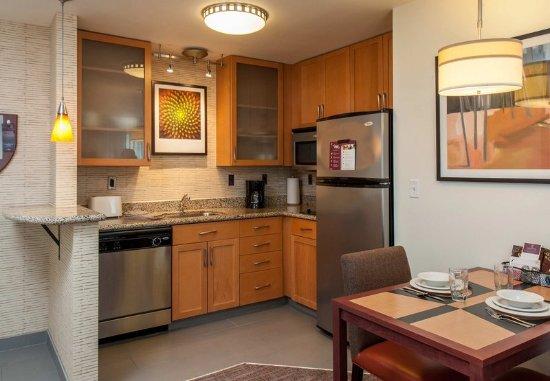 West Greenwich, โรดไอแลนด์: Studio Suite - Kitchen