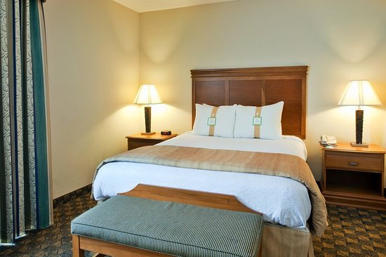 Valdosta, GA Holiday Inn Comfortable King Bed with Four Pillows