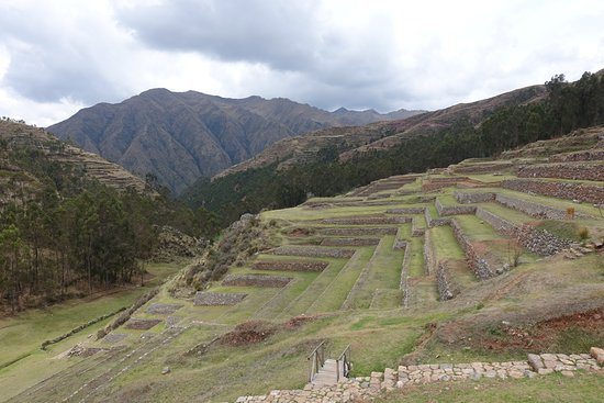Complejo Arqueologico Chinchero: Terraces and Valley