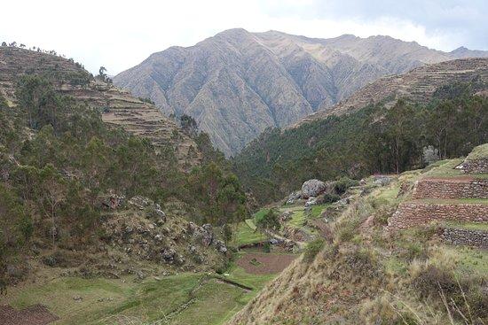 Complejo Arqueologico Chinchero: Valley