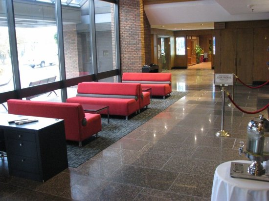 Crowne Plaza Gatineau-Ottawa: Relax while waiting for your friends