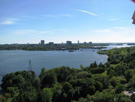 Crowne Plaza Gatineau-Ottawa: Only 5 minutes from Ottawa!