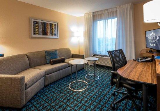 Enterprise, AL: Guest Room - Living Area