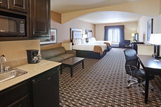 هوليداي إن إكسبريس آند سويتس دنتون: Double Bed Guest Room