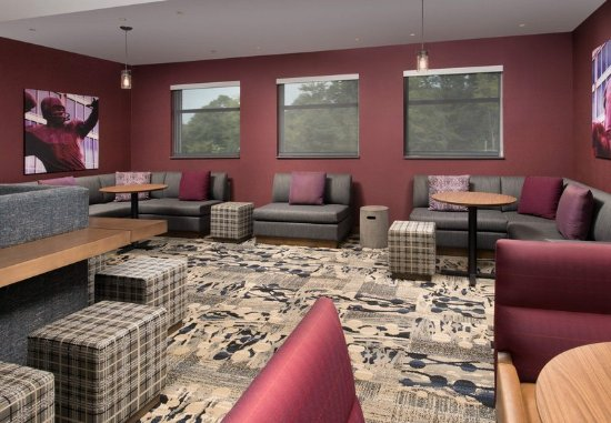 Residence Inn Baltimore Owings Mills: Lobby - Sitting Area