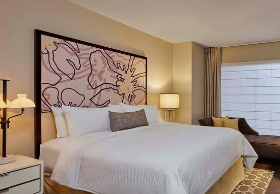 Alpharetta, GA: King Guest Room