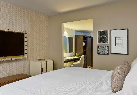 Alpharetta, GA: Larger King Guest Room