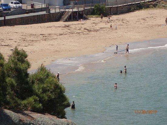 Horseshoe Bay: bathers