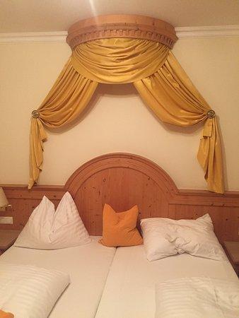Hotel Alpenblick: Trotz später Anreise sogar ein Upgrade auf ein großes Zimmer bekommen. Hammer Frühstück und best