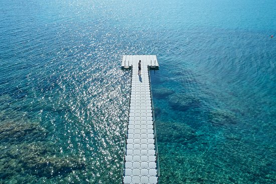 Golden Beach, Greece: Floating platform