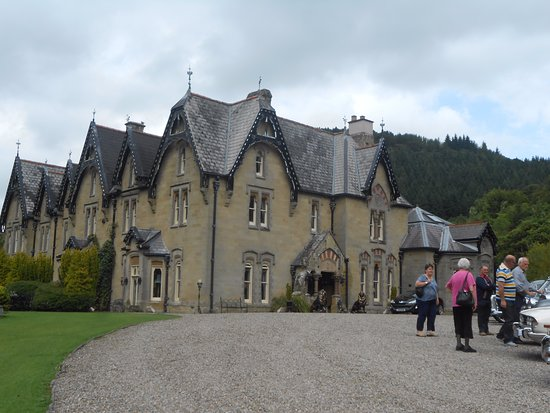 Llandrindod Wells, UK: An outside view of this wonderful house.