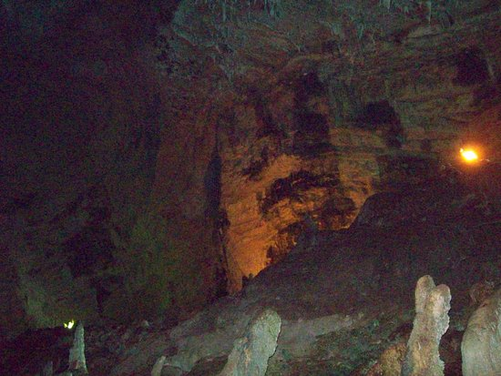 "Melissani Cave: grotte di melissani ""stalagmiti"""