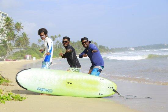 Weligama, Sri Lanka: the instractors. positive vibes