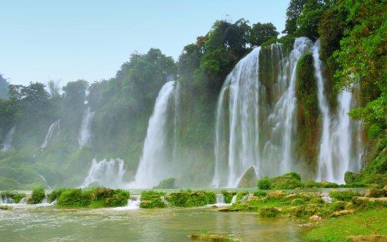 U-Viet Travel:  Водопад Дэтянь в провинции Каобанг