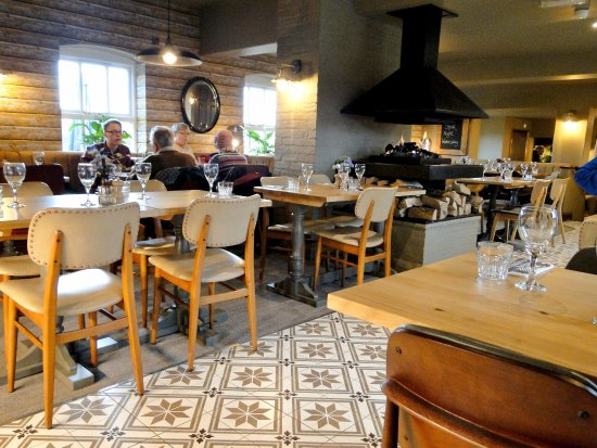 The Three Locks Pub: eatery