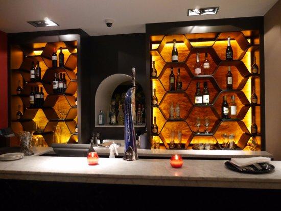 Clevedon, UK: Downstairs Bar