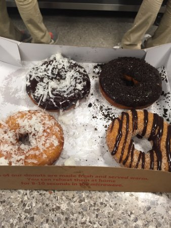 King of Prussia, PA: Duck Donuts