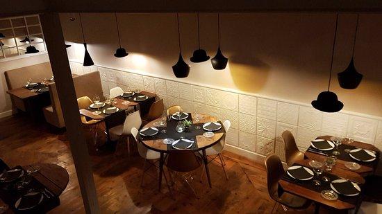 Mesas en el comedor - Picture of Sin Querer, Madrid - TripAdvisor