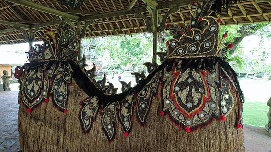 Mengwi, Indonesia: 塔曼阿雲寺景觀