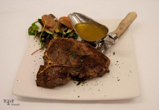 Clonbur, Ierland: Eddies Famous T-Bone Steak