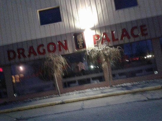 Sarnia, Canadá: Dragon Palace Restaurant