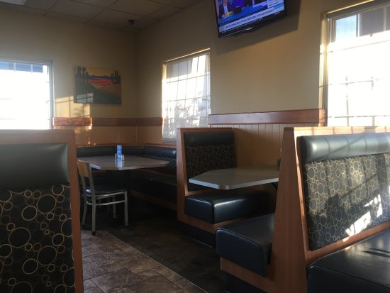 Jeffersonville, Ιντιάνα: Clean and comfortable for a fast food restaurant.