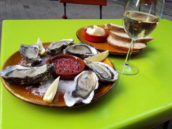 Orthez, Francia: Envie d'huîtres? Le samedi à partir de 10h