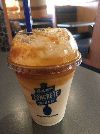 Jeffersonville, IN: Salted caramel pumpkin concrete mixer was great.