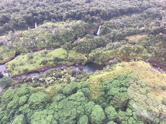 Mt. Kilauea : Sobrevoando as cachoeiras