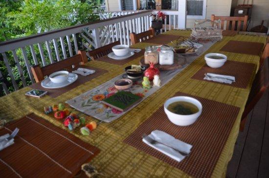 Holualoa, HI: Wonderful out-door dining