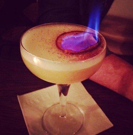 Les Timbres: De nombreux cocktails flambés et d'autres surprises vous attendent