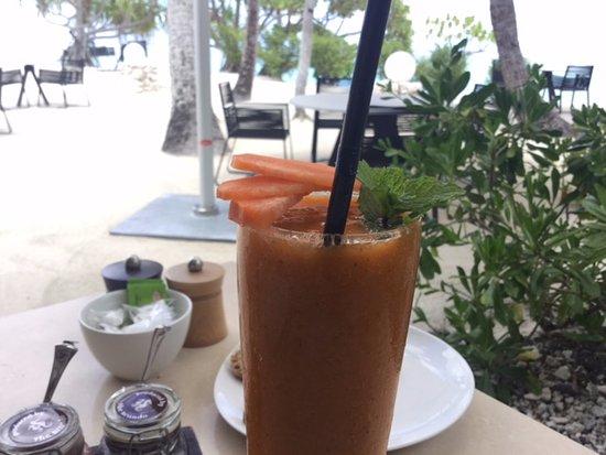 Tetiaroa, French Polynesia: health drink at Beachcomber breakfast