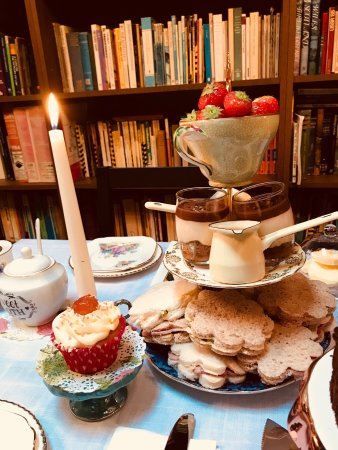 Retford, UK: Wonderful Afternoon Tea at the Book Chamber.