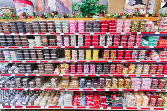 Laurel, Delaware: baking supplies and candy