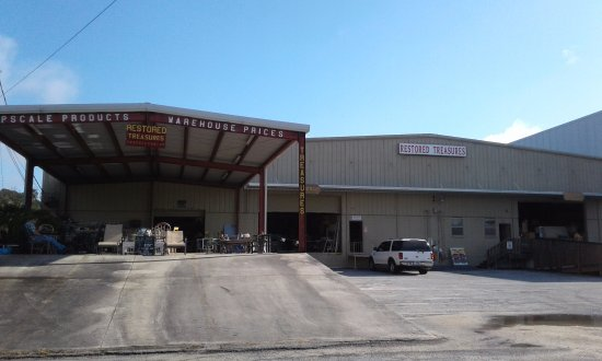 Valdosta, GA: We have 20,000 sq. ft. of upscale thrift!