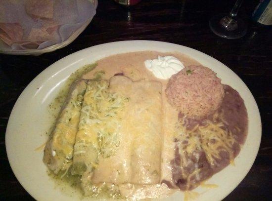 Howell, NJ: chicken enchilada