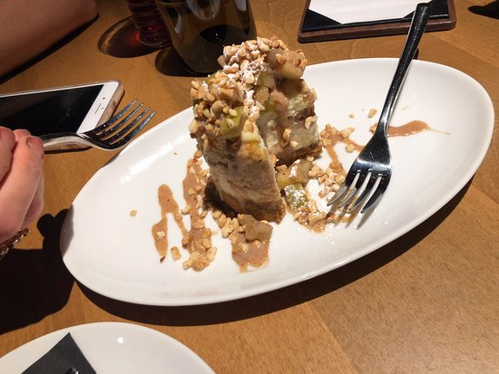 Roanoke, TX: Apple Cheese Cake