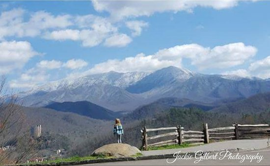"""Gatlinburg Scenic Overlook: To see more great pictures! Come join us @Facebook group """"The Beauty of Cades Cove & Smoky Mount"""