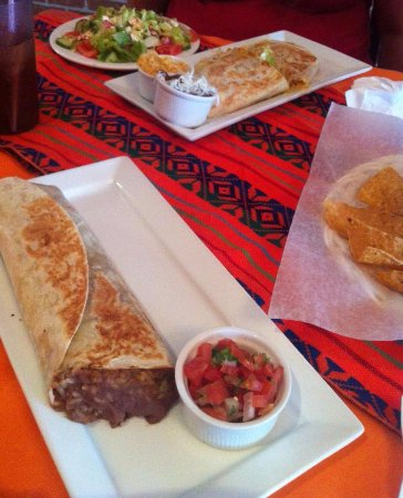 Bradford West Gwillimbury, Canada: Front of picture: Burrito. Back of picture: Noe's Salad, 2 Quesadilla.