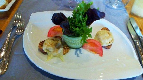 Fully, Zwitserland: Salade de chèvre chaud