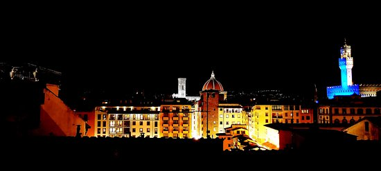 Pitti Palace al Ponte Vecchio: Night view from rooftop terrace