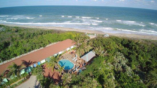 Melbourne Beach, FL: Gated private beach for you