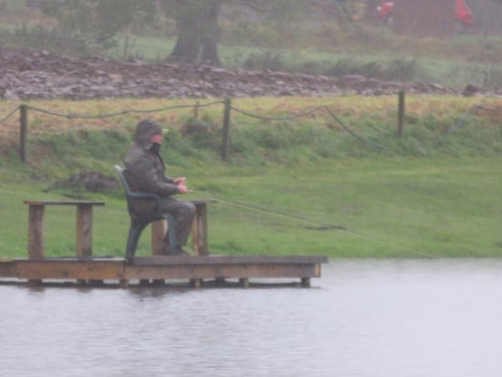 Cupar, UK: this angler brought his own chair