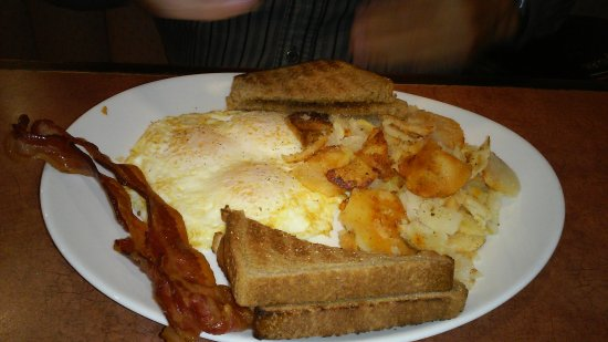 Wyomissing, PA: eggs/homefries/bacon